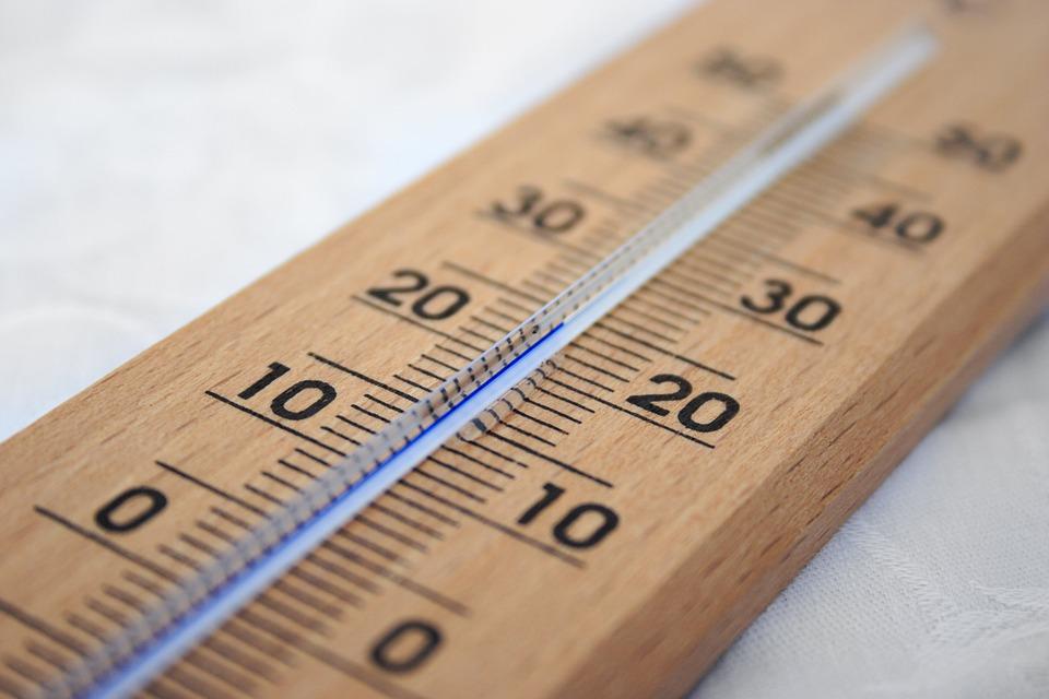 dřevěný teploměr