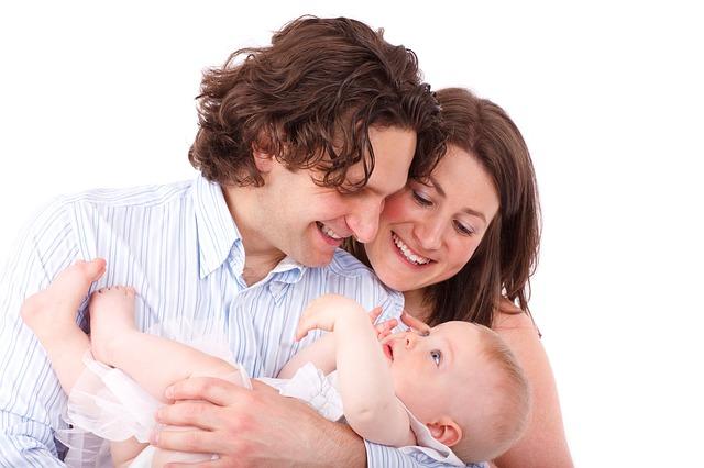 šťastní rodiče