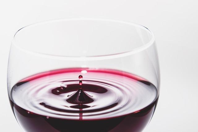 kapka vína
